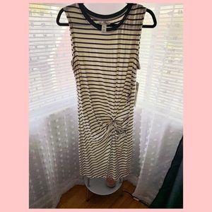 🌴Olive green striped shortsleeved dress